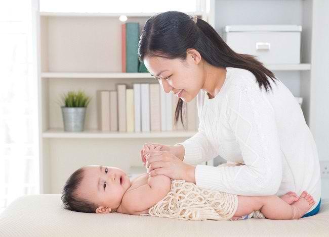 Tips dan Tekhik Serta Variasi Pijat Untuk Adik Bayi